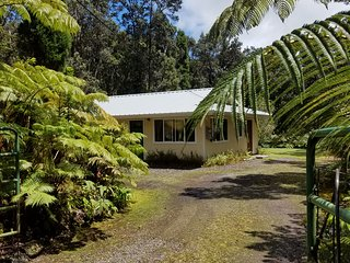 'Ama'u Lani Cottage, minutes from Volcanoes National Park