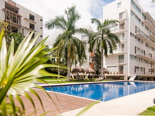 Luxury Condo amazing location close to the beach!