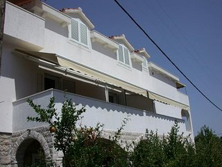 Two bedroom apartment Veli Iz, Iz (A-11546-a)