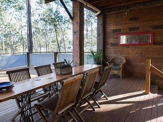 Eclectic Vineyard Lodge - Pokolbin Hunter Valley