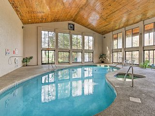 Spacious Resort Condo: Central Locale by Dollywood