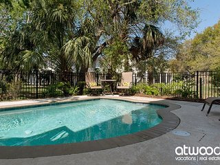 Good Graces - Gorgeous Home With Private Pool & Ocean Views