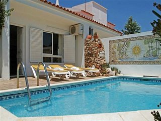 Comfortable and well equipped terrace villa with private pool and air conditioni