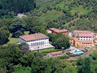 SPECTACULAR VIEWS - VILLA GUINIGI - LUCCA AREA