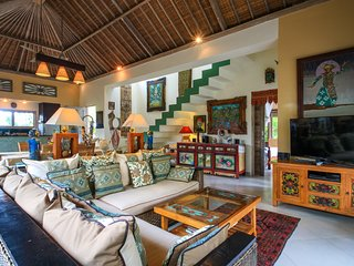 Villa Semua Suka, the RiceFields of Ubud, 2bd/2ba/a/c/pool/best Bk'fast in Bali