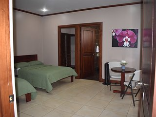 Spring Bedrooms Habitacion #1