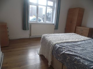 Master Room in Brand New House near Wembley