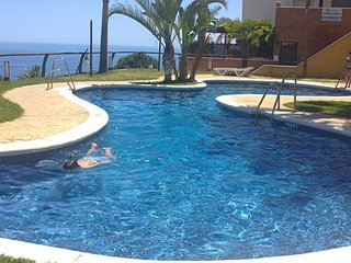 Excellent views. Beach & mountain. Panorama swimming pool all year round