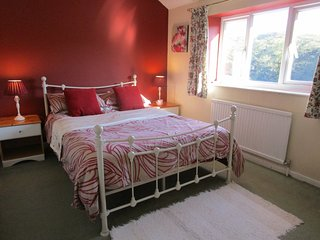 Comfortable, homely cottage in the heart of Yorkshire. Village location.Sleeps 5