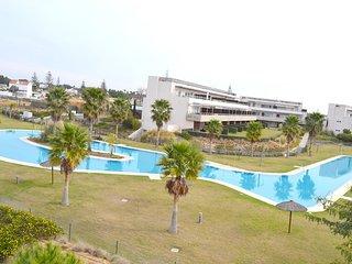 Magnifico apartamento 2 dormitorios, jardin, piscina, padel
