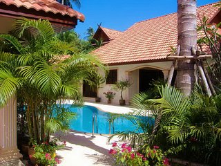 LUXURY VIP 'PHI PHI DON' 3. Bedroom Private Pool Exclusive Villa