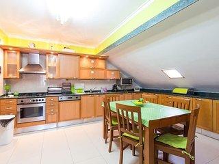 Apartamento Namaste T5 centro de lisboa c/garagem e aquecimento central