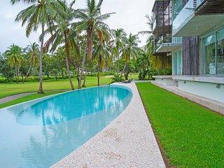Hermoso loft cercano al Hotel Princess pegado al campo de golf de Mayan Palace.