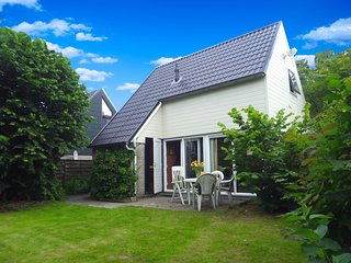6 pers. holiday home with Sauna near Wadden Sea Friesland