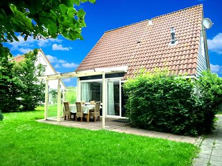 6 pers. Equipped holiday home behind the dyke of the Lauwersmeer