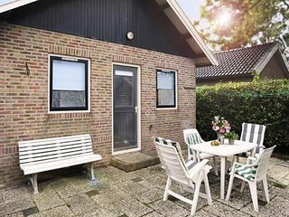 4 pers. holiday home near Wadden Sea Friesland