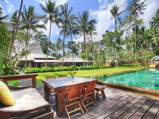 A luxury private Villa, Ubud, 4 bedrooms pool villa with stunning landscape