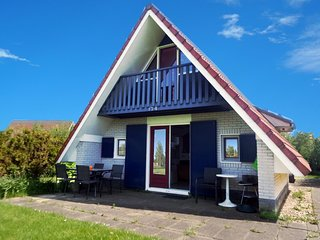 6 pers. Pet-friendly house with fenced garden, near to Lauwersmeer