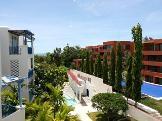Beachfront Chelona - 3 Bedroom Pool View D403