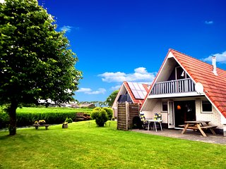 6 pers holiday home with a large garden close to the Lauwersmeer