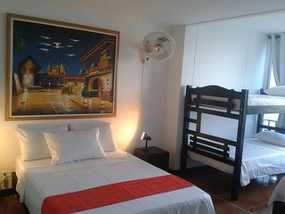 Bello Apartment Sleeps 8 with Pool Air Con and WiFi - 5677071
