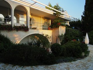 Beachfront villa with pool for rent, island Krk
