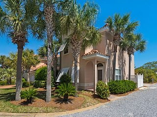 PRIME SUMMER DATES AVAILABLE 7BR - 2 Next-Door Homes, Pool & Near Beach