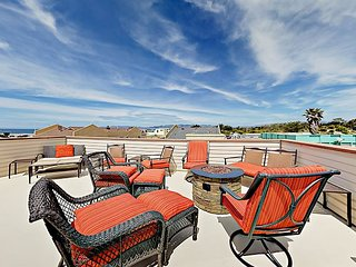 3BR with Rooftop Deck & Ocean View – 1 Block to Beach