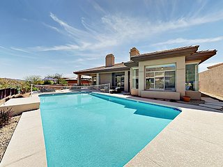 Desert Oasis w/ Pool & Hot Tub - Remodeled 4BR, Minutes to Mountain Trails