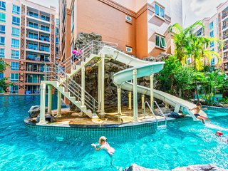 Double room with garden view & waterpark 200meter from beach