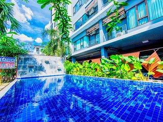 Corner Suite in resort near Night Bazaar