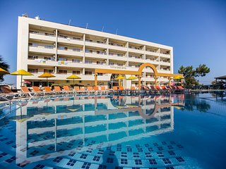 Kusadasi Apartment with Pool Air Con and WiFi - 5677558