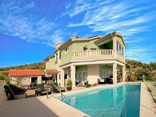 Sea view villa with private pool, Primosten