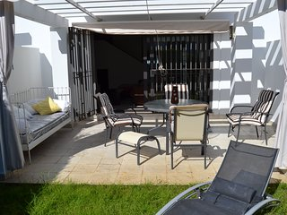 Chalet adosado, 3 dormitorios, a/a, urbanizacion cerrada, piscina