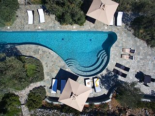 Villa Adelphia, luxury eco-design ensemble with pool for 12-18 people