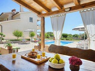 6 bedroom Villa in Koromacno, Istria, Croatia : ref 5606907