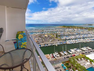 Ilikai 1927 Ocean / Sunset / Marina Views 2 Double Beds, Sofa Bed