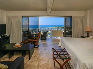 Ilikai 1308 Ocean / Sunset / Marina Views King Bed, Sofa Bed