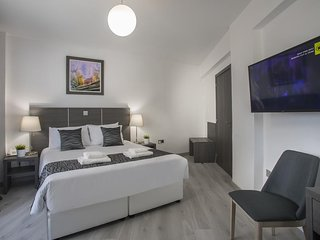 SolMare A01 City center 3bed family apartment, fully renovated and furnished