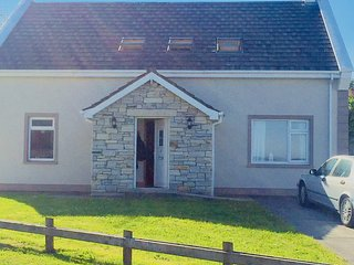 Greencastle Holiday Cottage with lough/mountain views