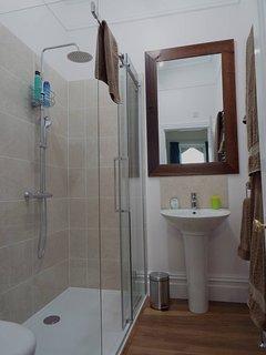 The en-suite for bedroom 3