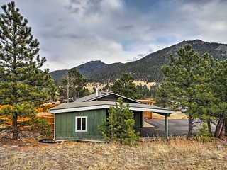 Rustic Estes Park Home w/Pool Access -5Min to Golf