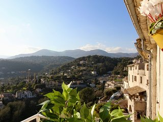 Charming one bedroom apartment with balcony and panoramic views
