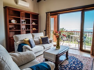 Luxury* Affordable* Quiet* Clean Appartm with ocean view.