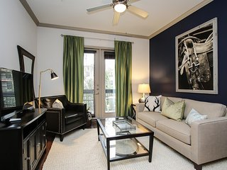 Wondrous 1br/1ba | Midtown | Pool/Gym