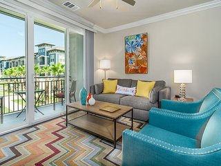 Breezy 2BR w/ Pool Near Universal + Disney