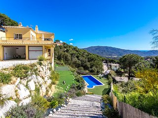 Catalunya Casas: Villa Radiente near Tossa de Mar, only 3.7km to the beach!