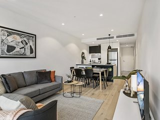 Chic brand-new apartment in trendy St Kilda