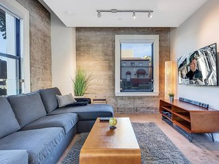 NEW 2BR2BA Luxury APT in heart of DT LA w Rooftop