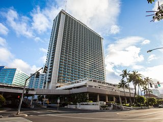NEW!!! Beautiful Condo Prime Location in Waikiki 3-23
